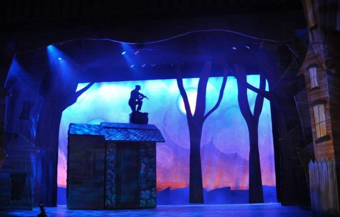 Fiddler On The Roof Questions Tradition Offers Hope At Broadway Theatre In Pitman Fiddler On The Roof Event Lighting Design Fiddler
