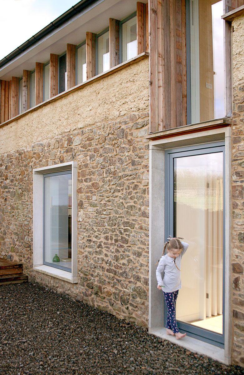 bude barn scheune in england umgebaut gestaltungsideen fenster architektur steinfassade. Black Bedroom Furniture Sets. Home Design Ideas