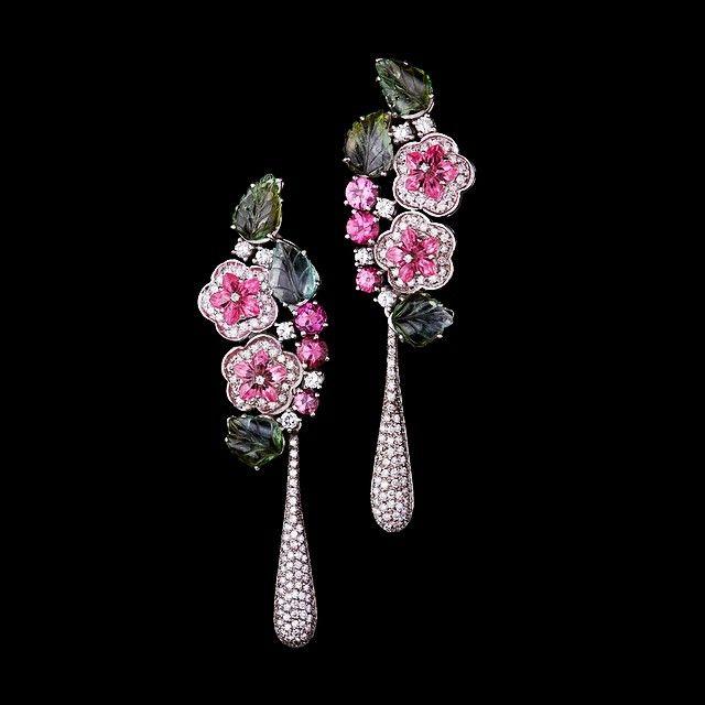 9cd674cfbadf0 Pin de Hyub Lee em Ruth Grieco   Pinterest   Joias, Desenho de jóias e  Abelha vintage