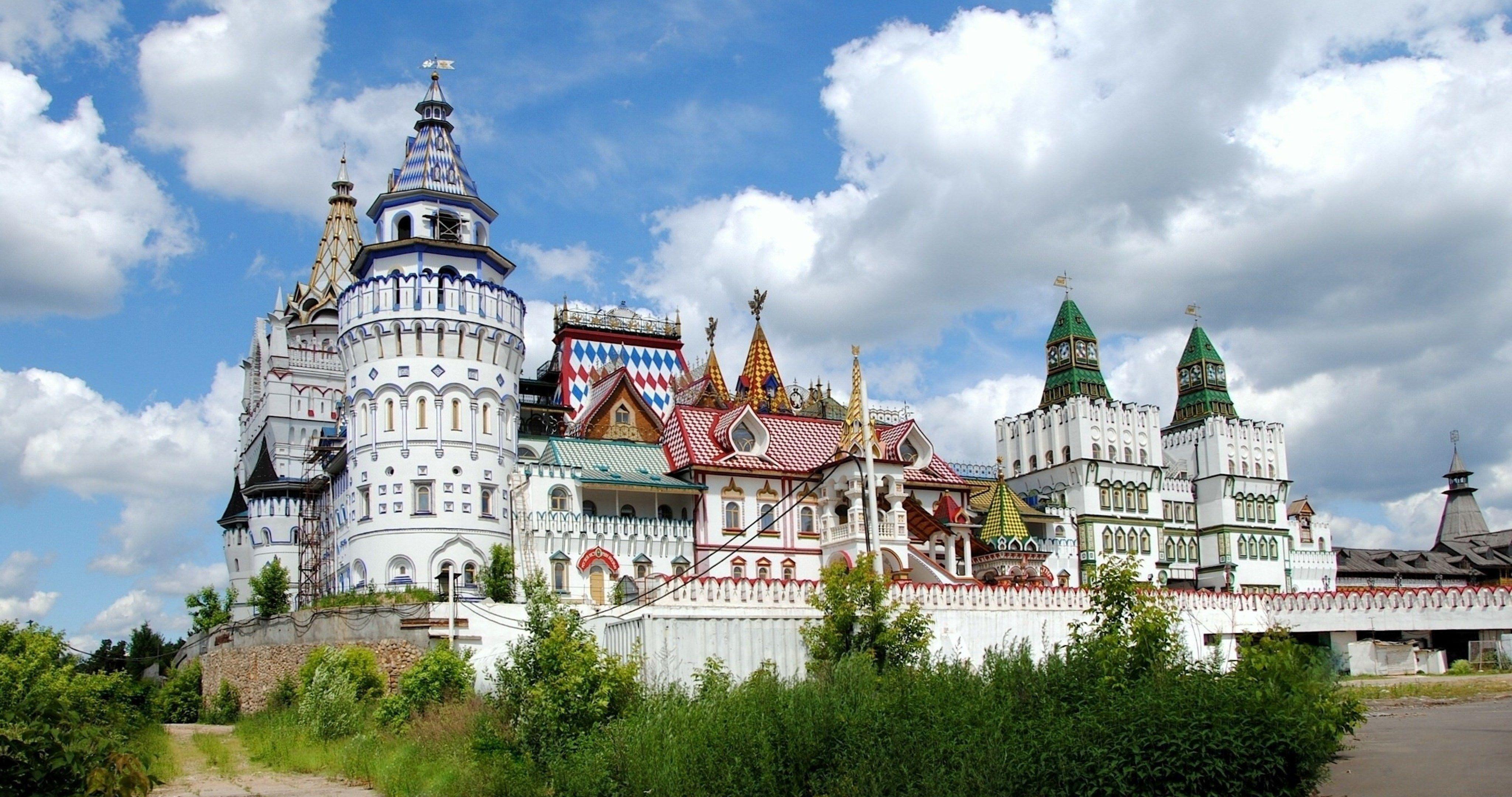 Kremlin Castle 4k Ultra Hd Wallpaper Castle House Styles Wallpaper