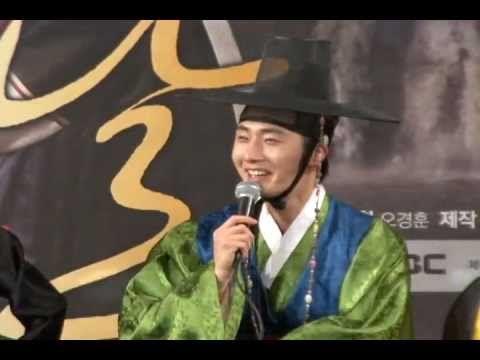 """[donga]Jung Ilwoo, """"My ideal type 'Han Gain'""""(정일우 """"내 이상형은 한가인"""") - YouTube"""