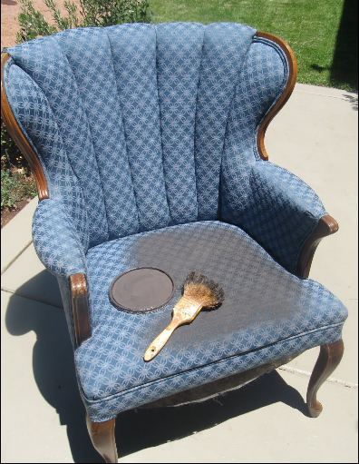 Painting Fabric Chairs Instead Of Re Upholstering...I Thought It Was Going  To Be A Mess And I Was WRONG.