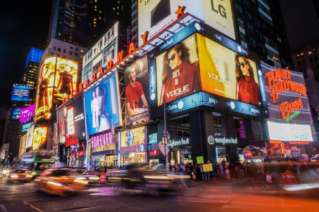 6 tips to see new york city on the cheap hobbies new york city rh pinterest co uk  things to do in times square on a budget