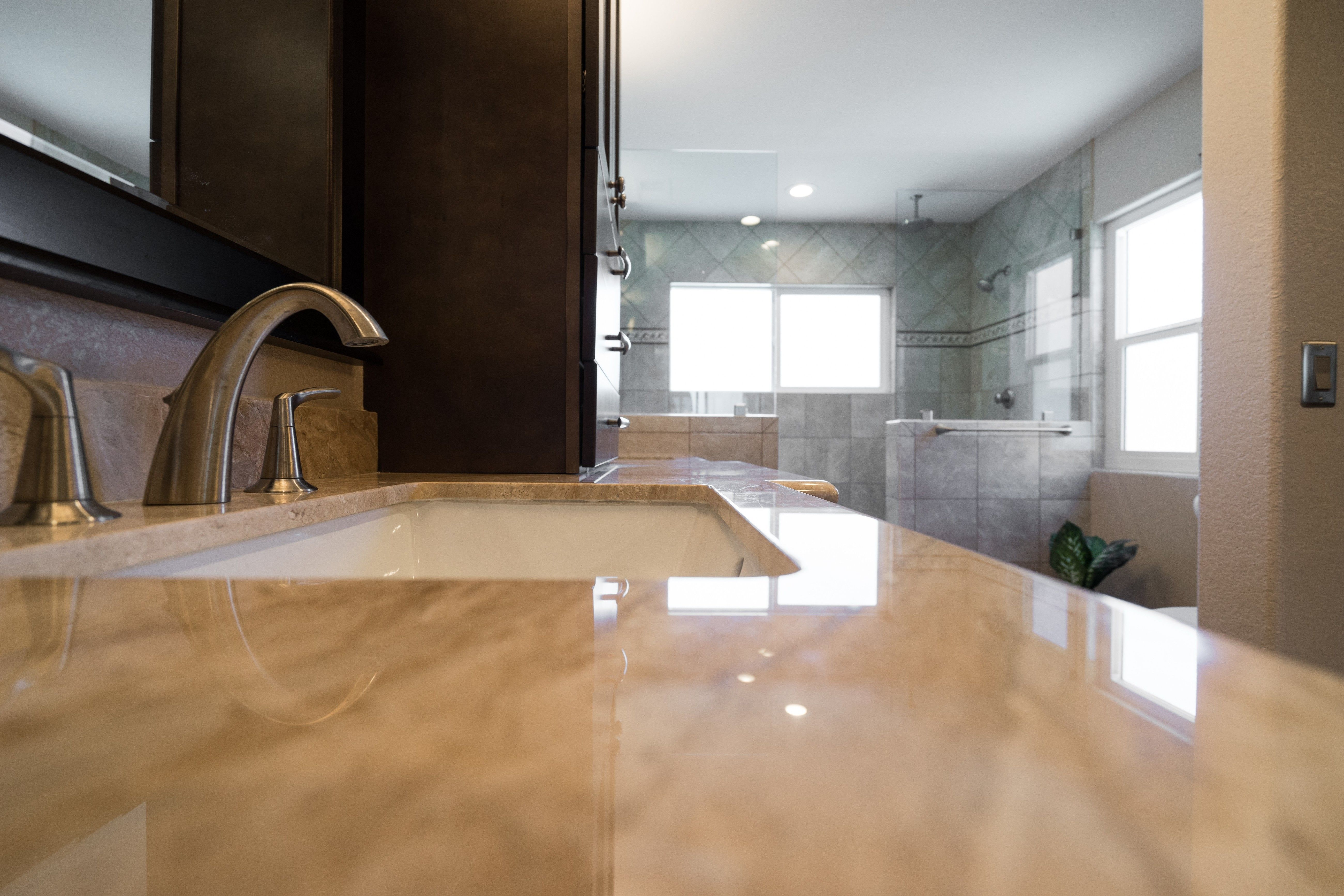 Countertop material can be difficult to pick because of the various selections to choose from. www.choosechi.com