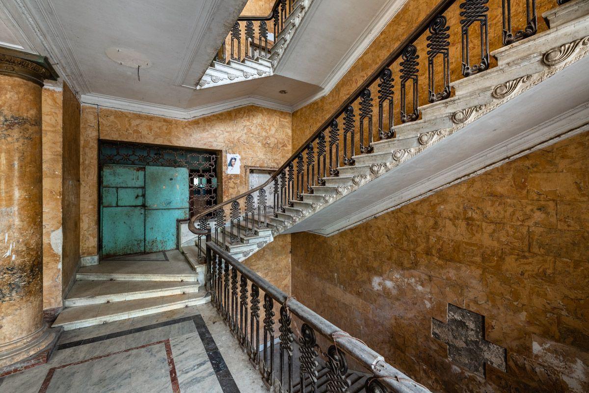 Hotel Metalurgi Tskaltubo In 2020 Hausgemeinschaft Hotels Architektur