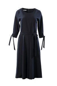 56720ef460 Granatowa sukienka z wiązaniem w talii