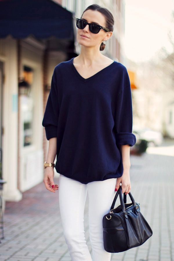 Navy blue oversized boyfriend sweater. Great with white jeans ...