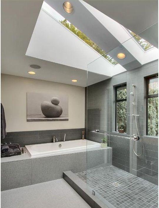 Salle de bains sous les combles 26 bonnes id es utiles - Amenagement petite salle de bain sous comble ...
