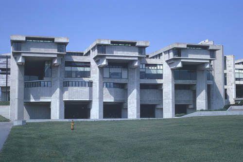 Group 1 Building, SMTI/University of Massachusetts Dartmouth, North Dartmouth, MA - Paul Rudolph, architect  (photo by Peter W. Michel)