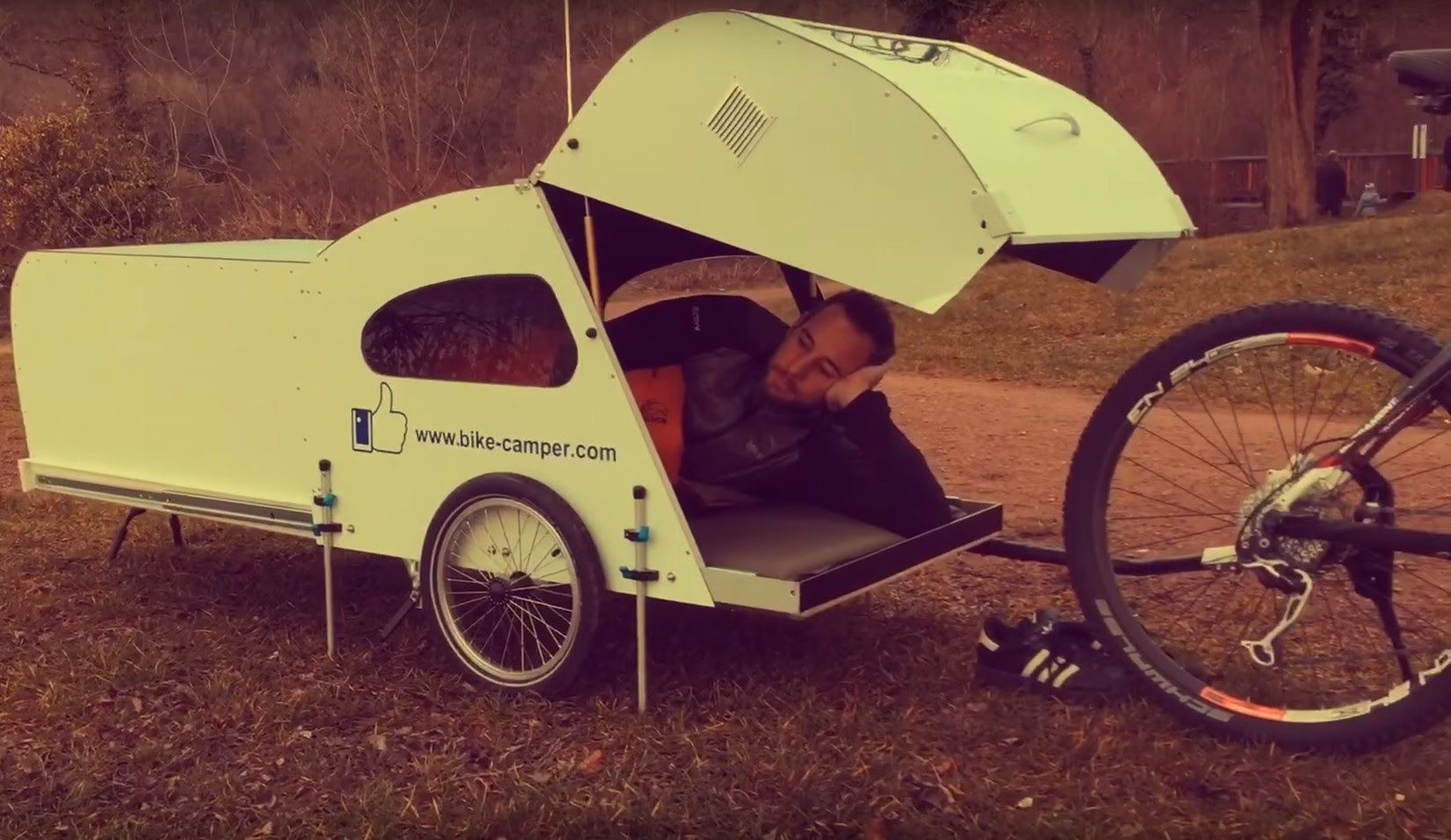 bicycle camper cycle trailer pinterest wohnmobil. Black Bedroom Furniture Sets. Home Design Ideas