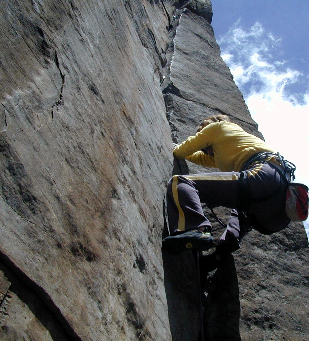 Shelley climbing at Paradise Forks (Flagstaff AZ