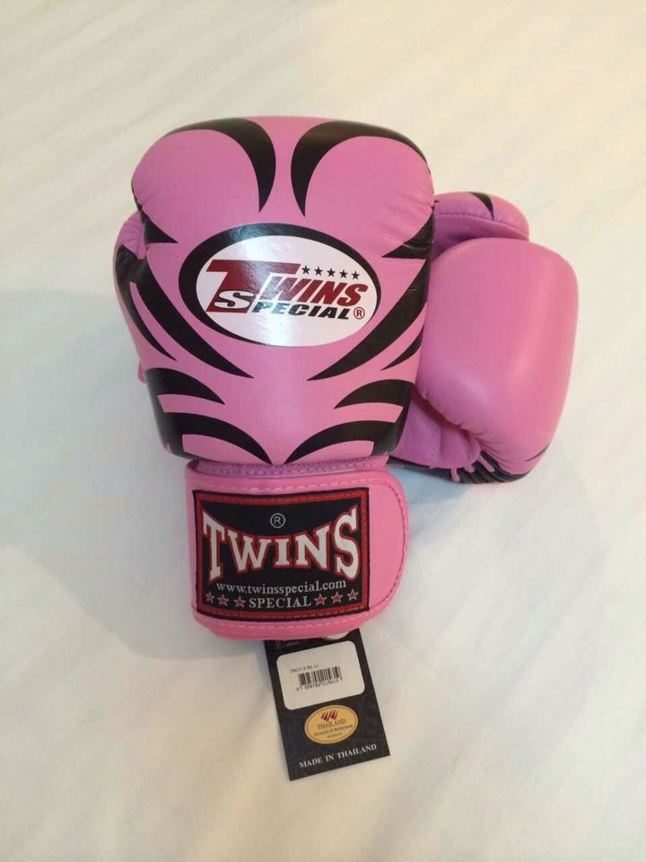 Shiv Naresh Teens Boxing Gloves 12oz: TWINS SPECIAL PREMIUM LEATHER VERY GOOD QUALITY Made In