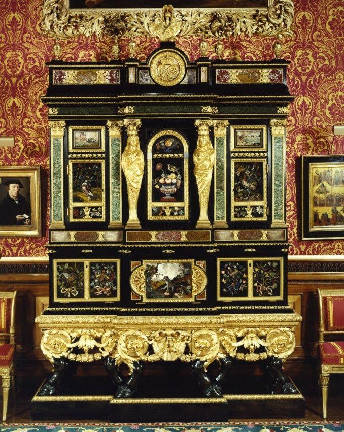 Cucci Cabinets at the Alnwick Castle   Alnwick Castle ...