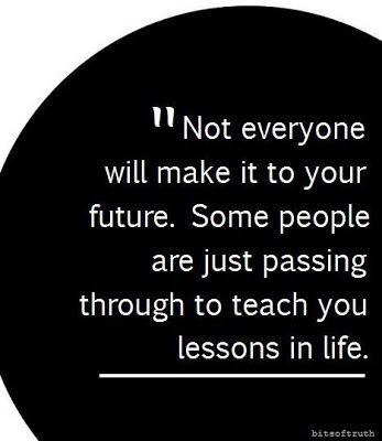 Lamentablemente así es la vida; el que quiere ser parte de tu futuro lucha por eso... Al que no le interesa del todo, lo demuestra con sus actos.