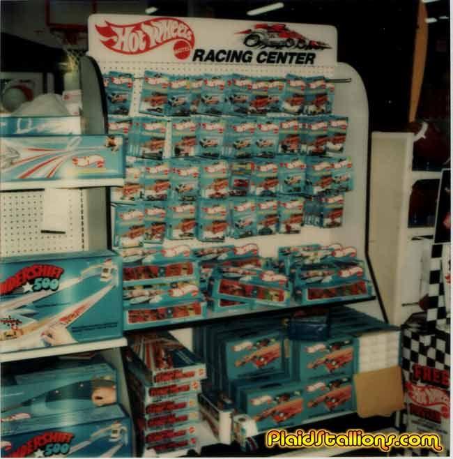 70 S Hot Wheels Store Display Hotwheels Pinterest Hot Wheels