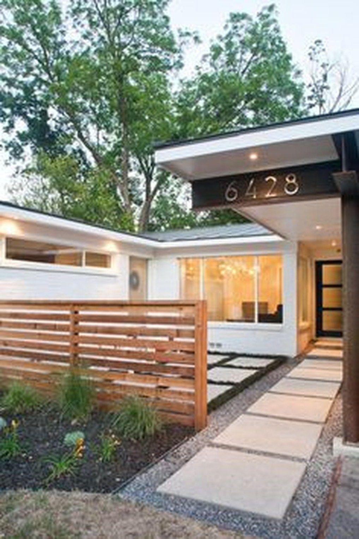 38 Amazing Mid Century Modern House Ideas Hoomdesign Modern Fence Design Mid Century Landscaping Modern Front Yard