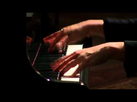 "La Campanella On Steroids ? :-) Liszt Rondo Fantastique ""El Contrabandista"" Valentina Lisitsa. See http://videovolt.net/2012/04/06/valentina-speelt-het-onspeelbare/"