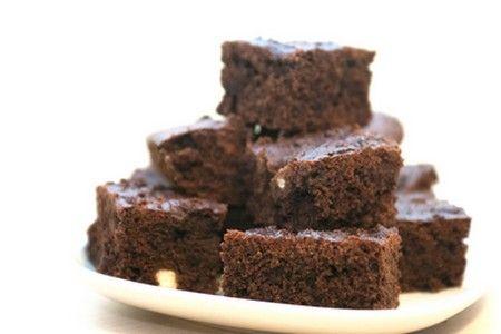 Brownies al cioccolato e nocciole (ricetta vegan)