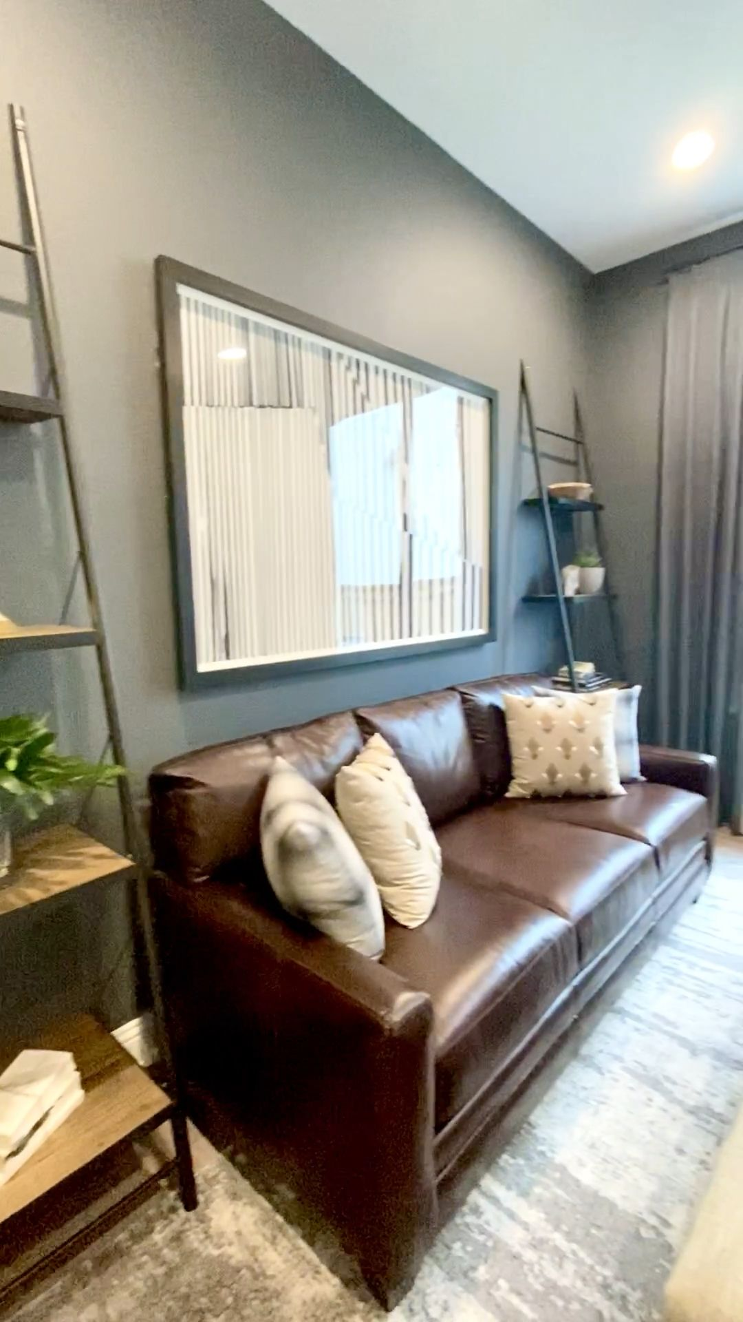 How to Decorate your own home or Stage your home to sell