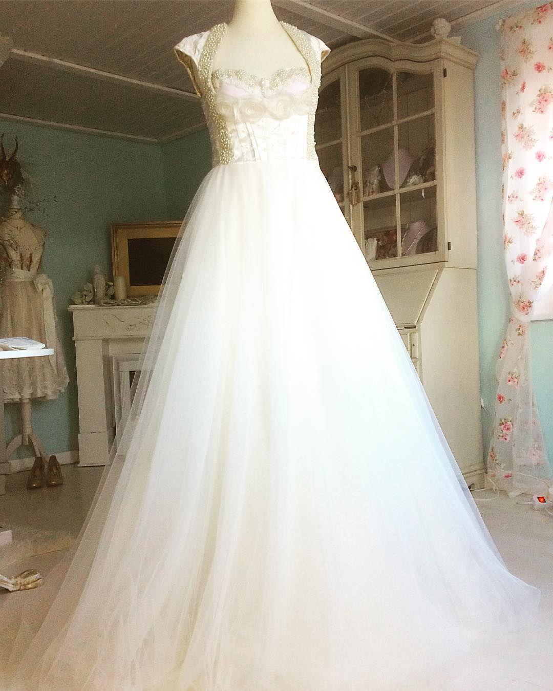 Ein traumhaftes Brautdirndlkleid von Tian van Tastique #vintage ...
