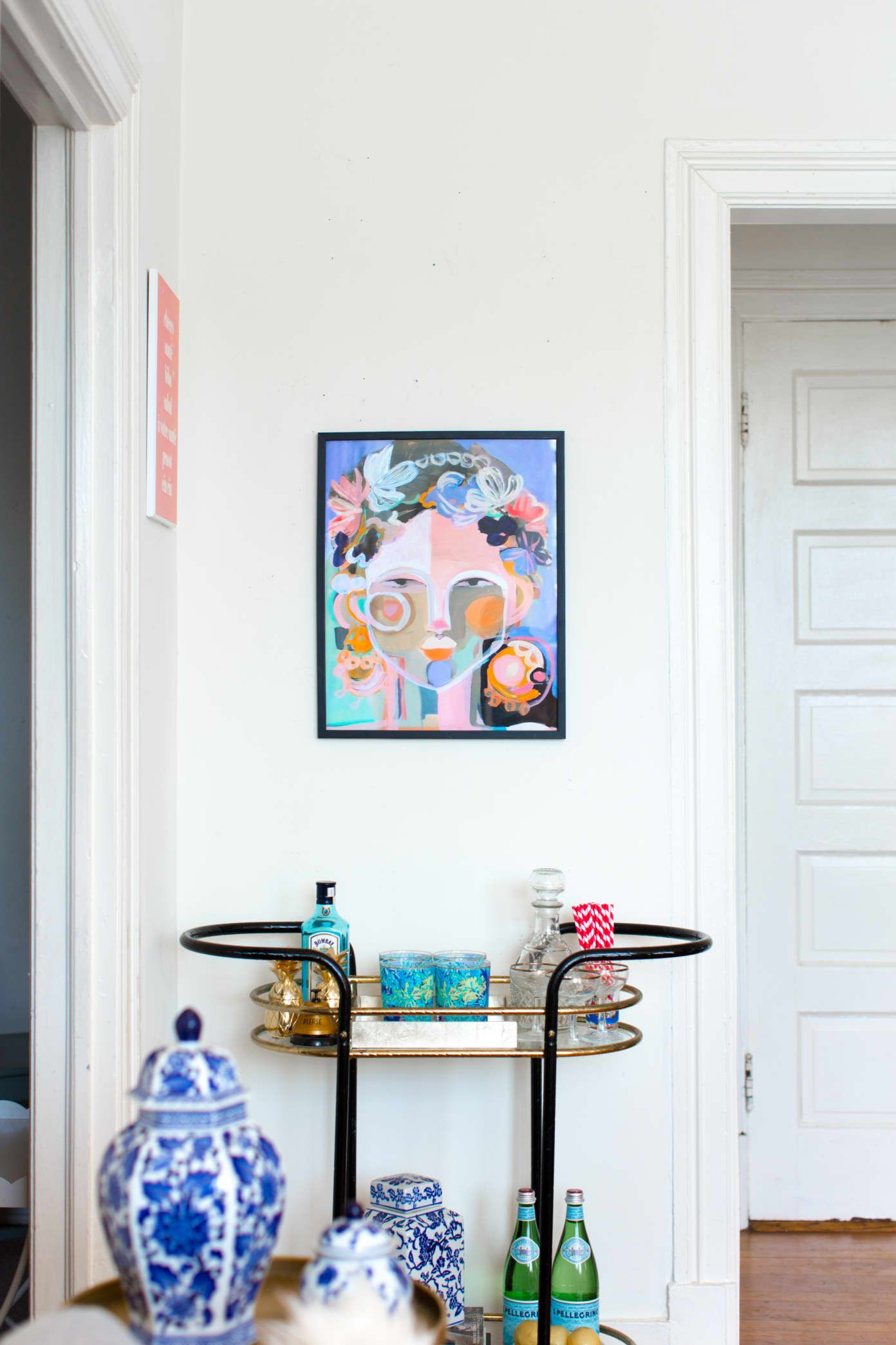 Tour A Classic Dc Home Filled With Chic Craigslist Finds Apartment Therapy Trong 2020