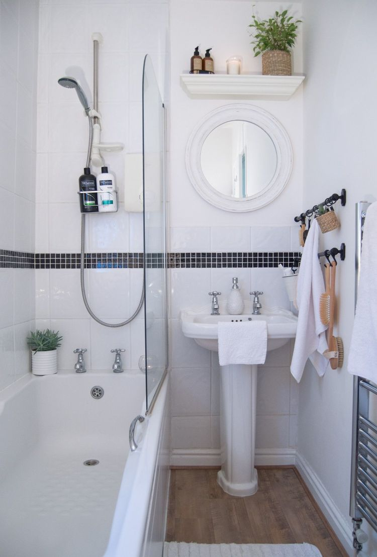17 Simple Ways to Beautify a Small Bathroom Without Remodeling ...