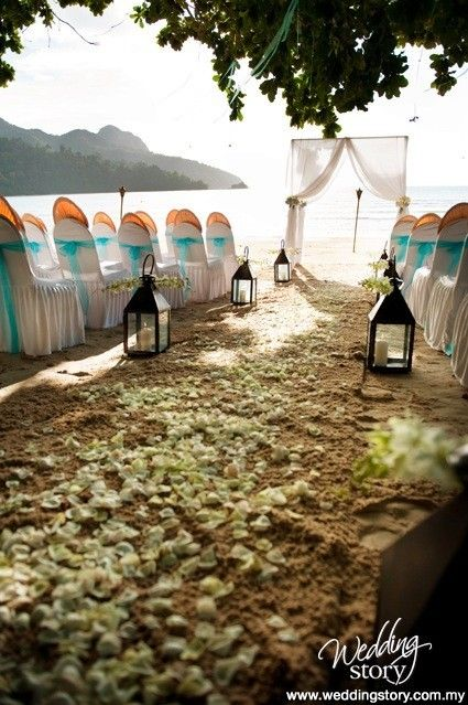 Beach wedding - actually the colours would work well on cake.  Orange, aqua and bulk white...
