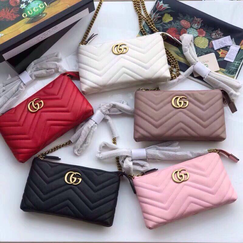 0546d40bc670 Gucci GG Marmont mini chain bag Gucci Crossbody Bag, Clutch Bag, Replica  Handbags,