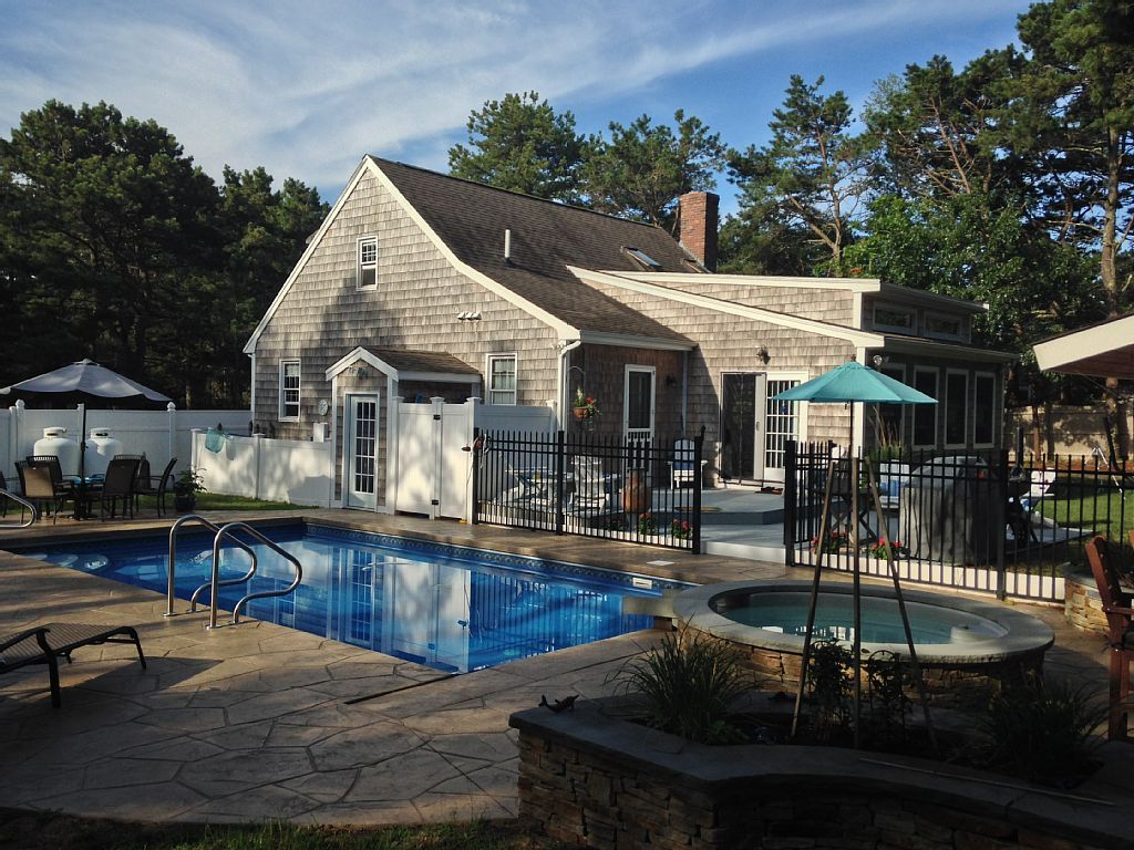 VRBO Cape Cod  House styles Pool Mansions
