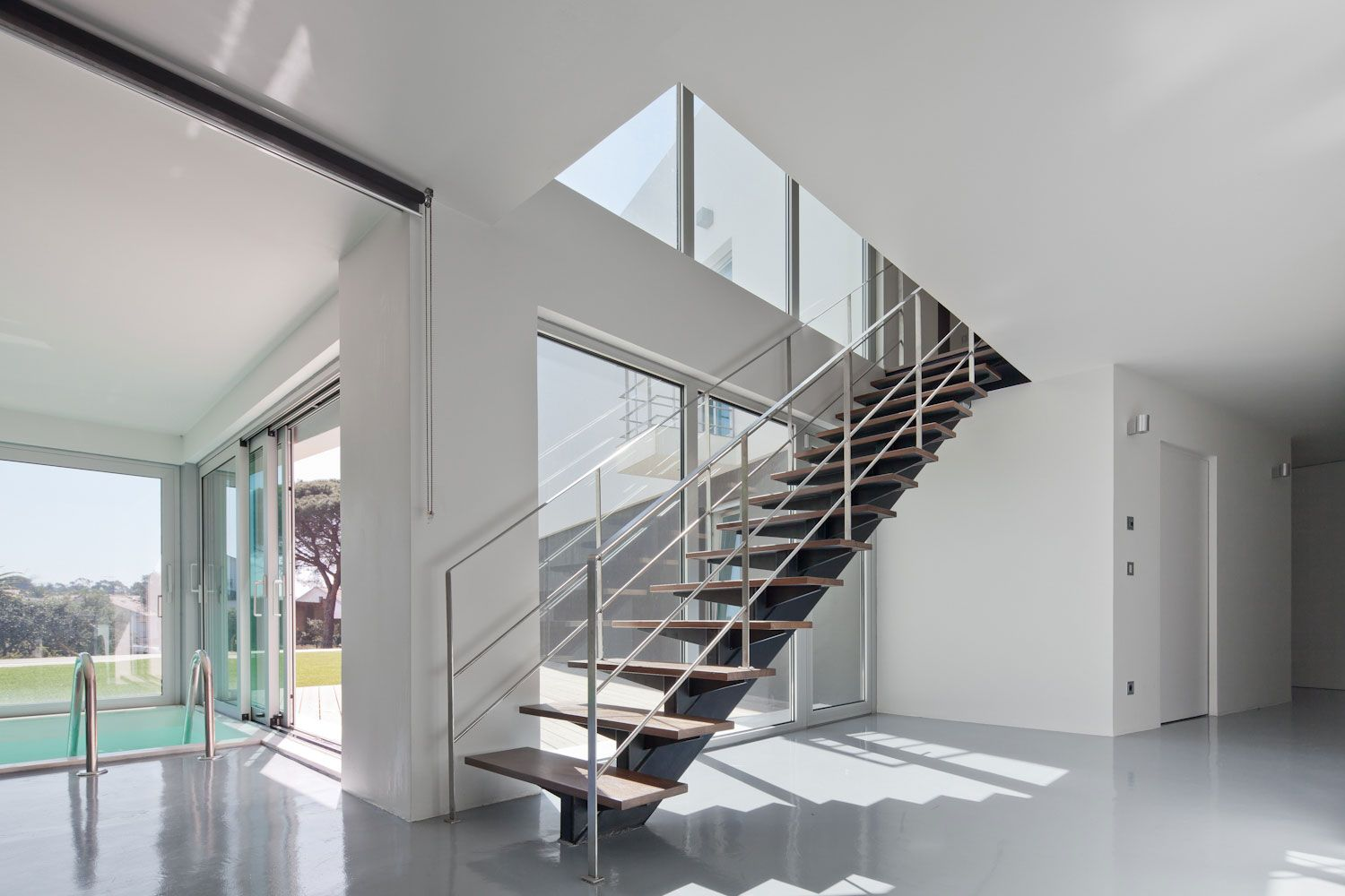 Modern Home Stairs Exquisite Block House White Interior Color Decorating Ideas With Indoor Pool