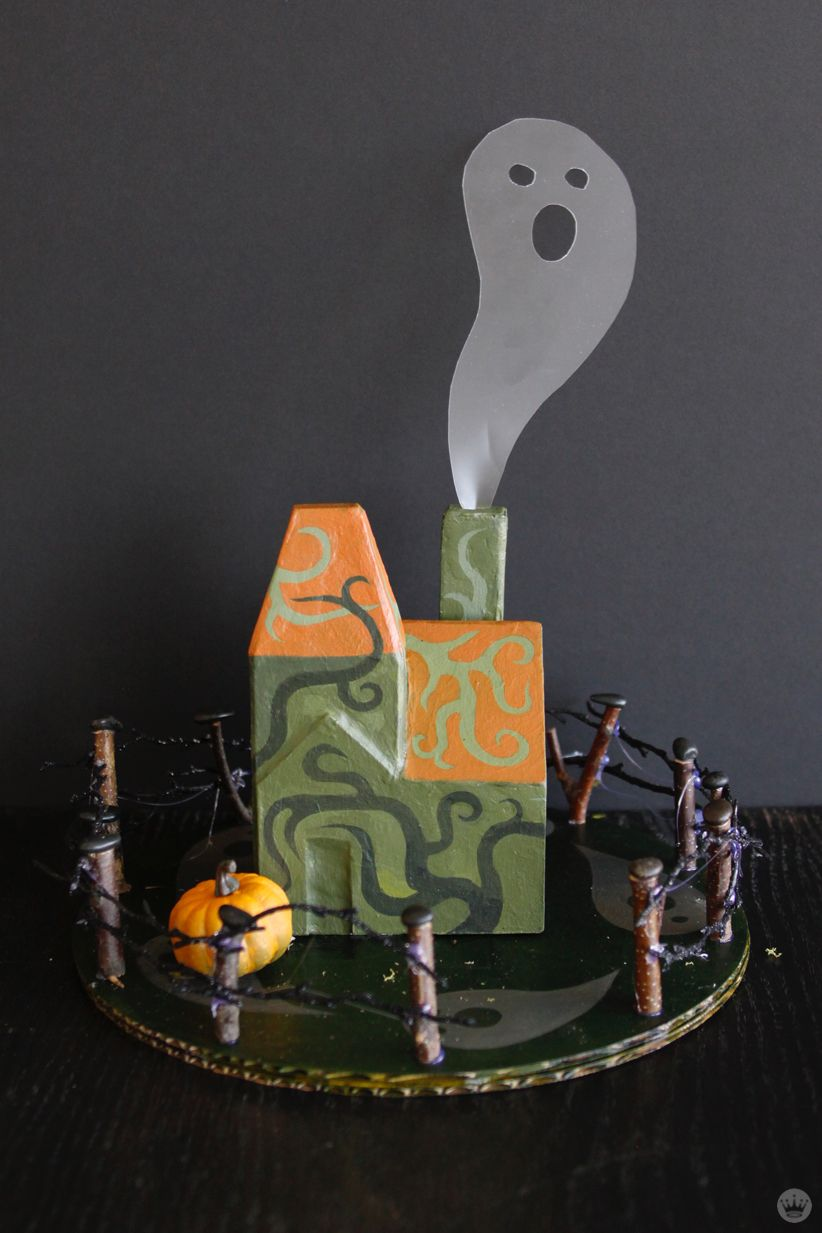Make your own Halloween decorations Miniature haunted houses - halloween houses decorated