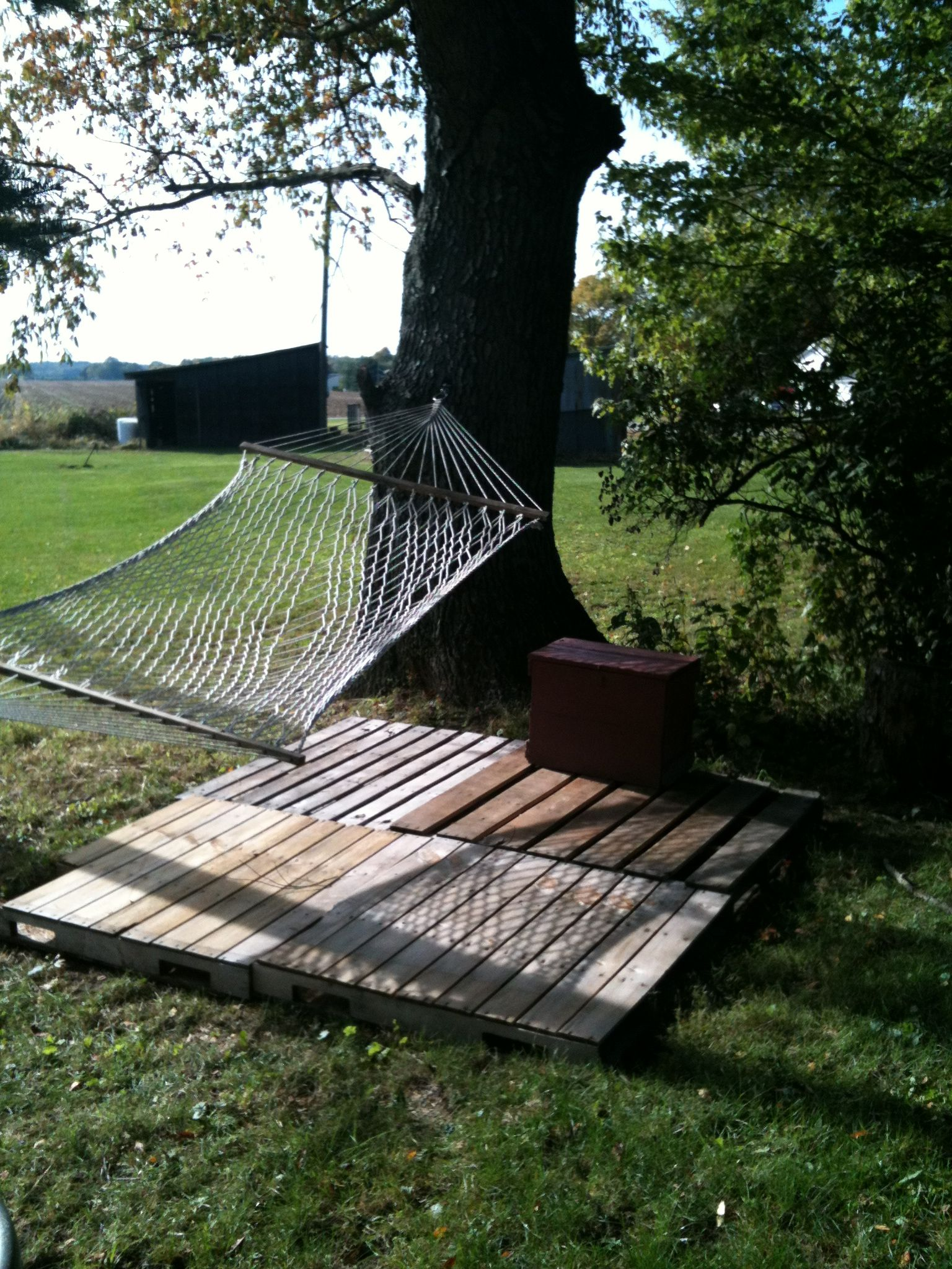 A Deck For My Hammock Out Of Pallets
