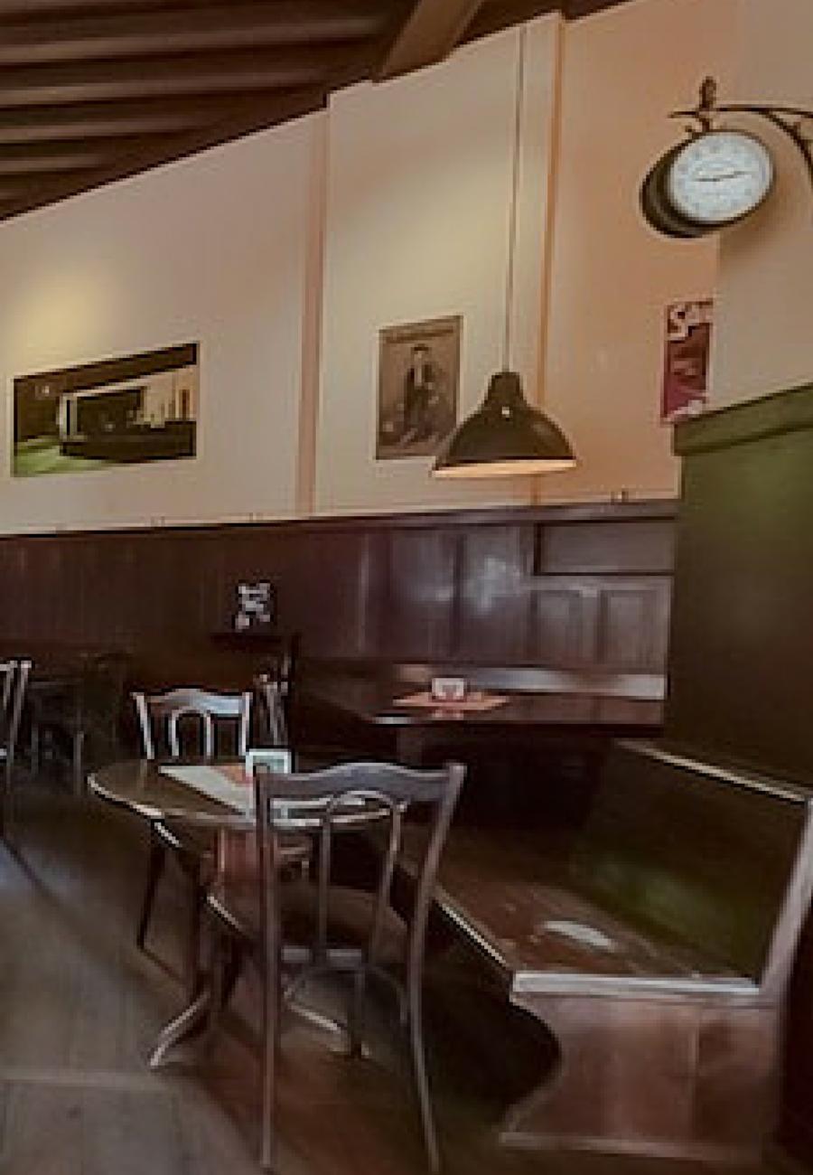 Ein Authentisches Deutsches Restaurant Wie Man Es Kaum Mehr In Berlin Findet Das Ist Der Lindengarten Im Wedding Restaurant Deutsche Restaurants Cafes Berlin