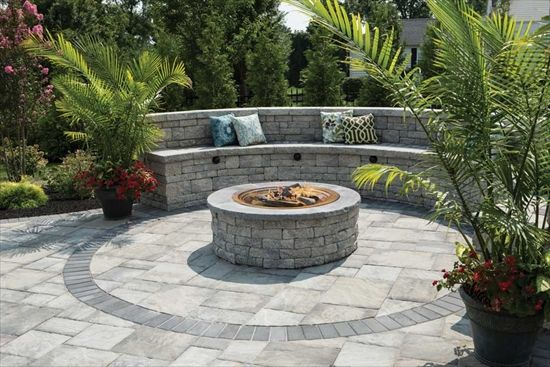 Seating Area using EP Henry Double Sided Coventry® Wall and a Fire Pit Kit - Seating Area Using EP Henry Double Sided Coventry® Wall And A Fire
