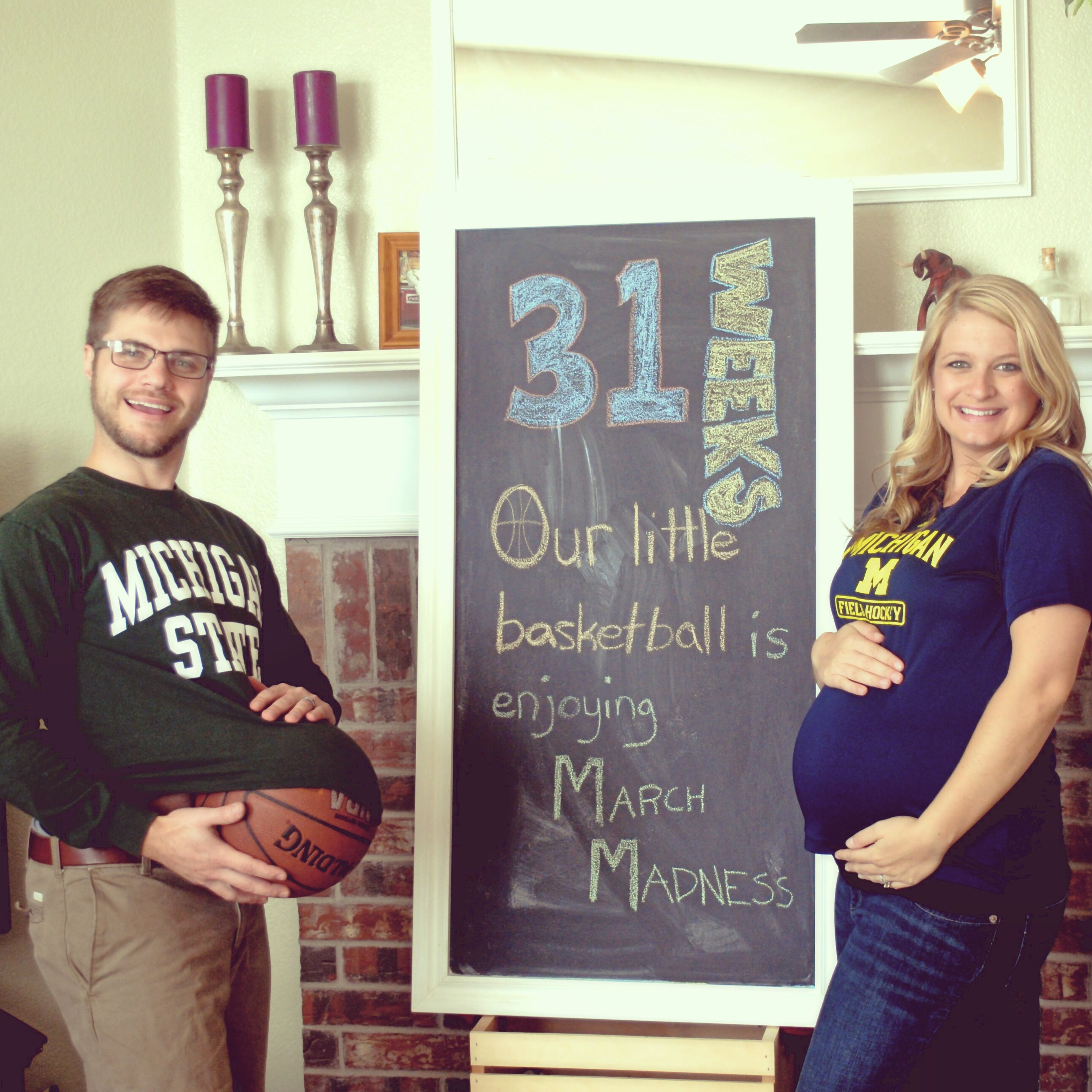 31 weeks pregnant. Bump picture. March Madness pregnancy update. Pregnancy pictures. Chalkboard