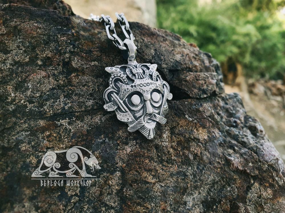 Loki S Mask Viking Pendant Amulet Sterling Silver Necklace Scandinavian Norse Viking Jewelry Smolensk Province Village Of Gnezdovo In 2020 Viking Pendant Viking Jewelry Silver Necklace