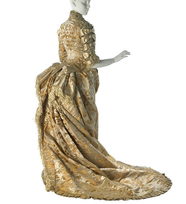 Wedding dress by the House of Worth. Worn by Annie Schermerhorn, 12 December 1878. Museum of the City of New York