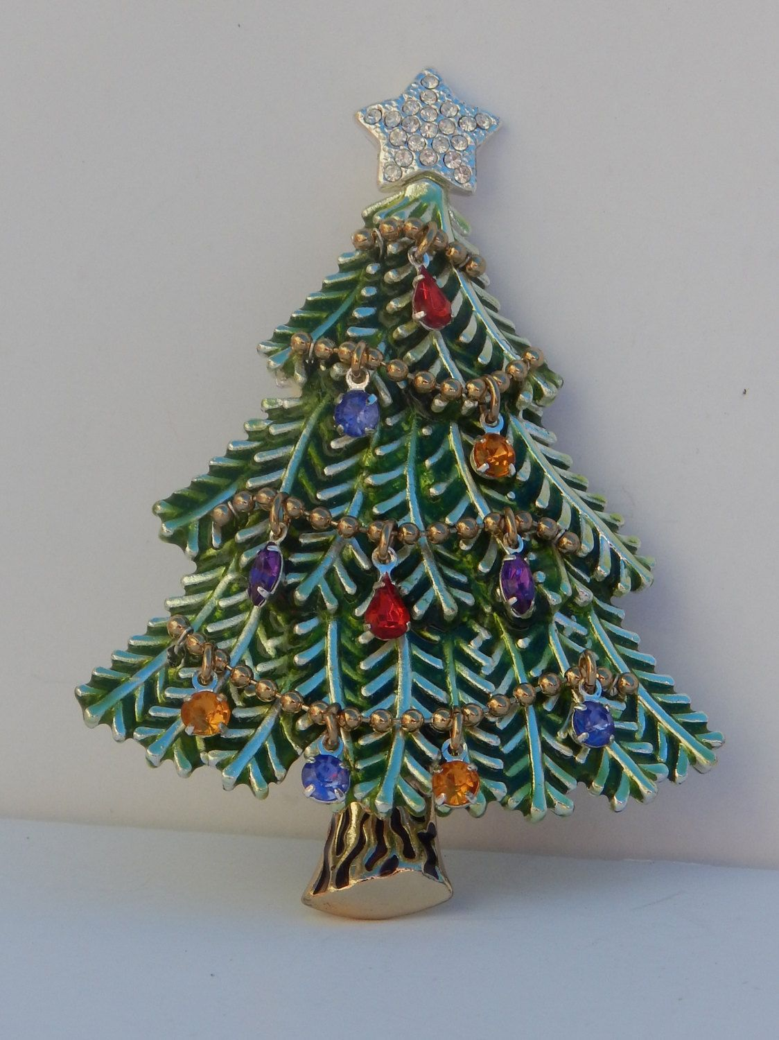 c4914819402 Shimmering Garland AVON Christmas Tree Pin Brooch - Dangling Rhinestone  Ornaments by GreatPretenders on Etsy