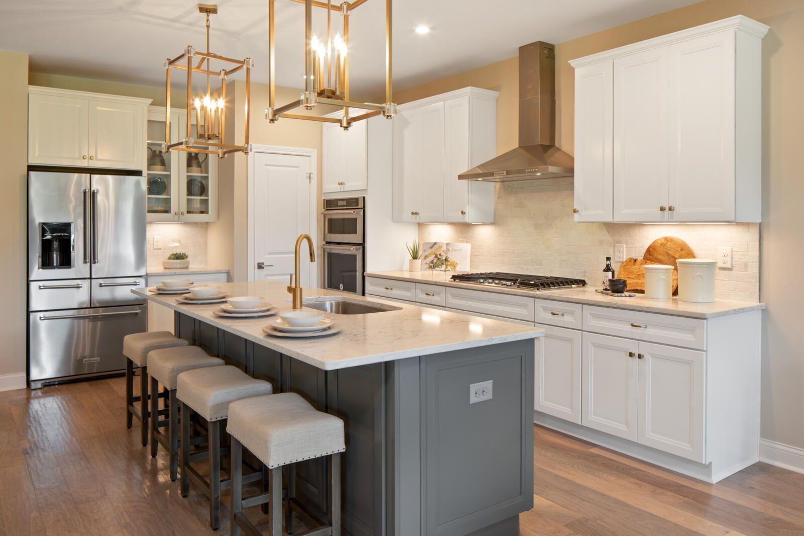 Lyndhurst At Miami Trails Loveland Oh Log Home Kitchens Home Kitchens Kitchen Design