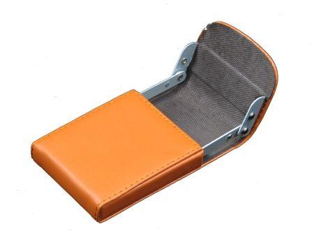 กระเป๋าหนังใส่นามบัตร โครงอลูมีเนียมหรูหรา ผลิตให้ NEW STAR BEACH RESORT KOH SAMUI - วัสดุหนัง PVC - โครงอลูมีเนียม  - ปั่มนูน ลงบนหนัง