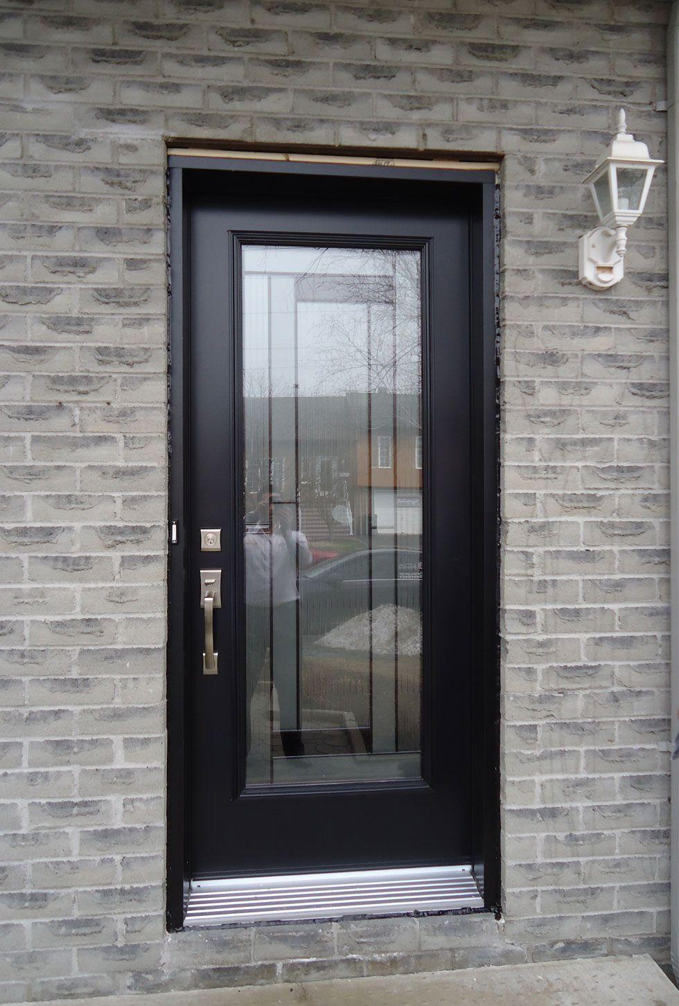 portes d 39 entr e en acier portes bourassa portes d. Black Bedroom Furniture Sets. Home Design Ideas