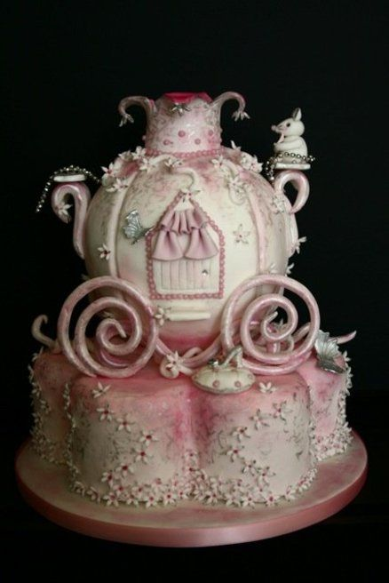 Birthday Cake : Fit for a princess - by PetiteSweet-Cake Boutique @ CakesDecor.com - cake decorating website
