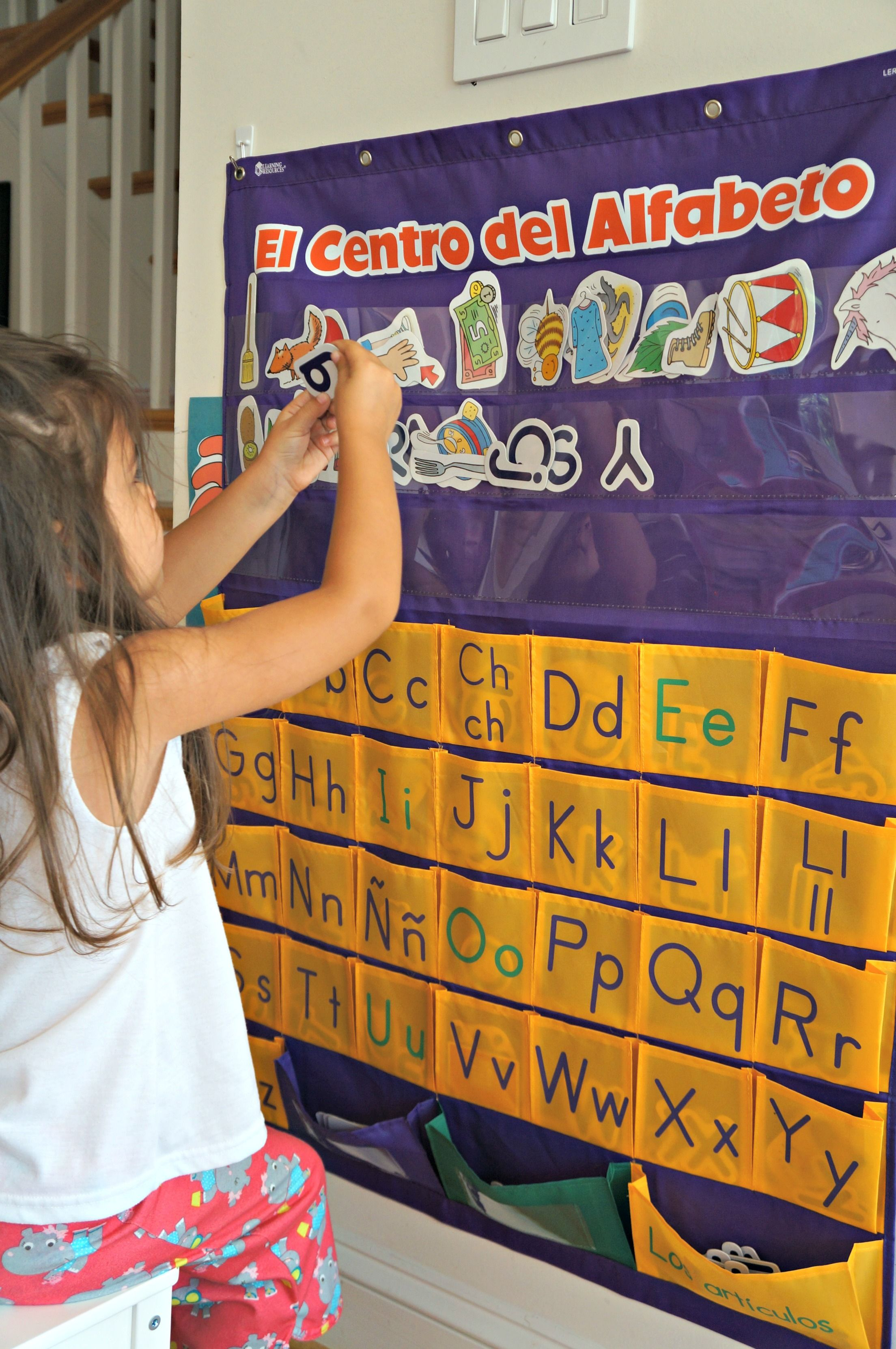 Teaching Preliteracy Skills To Your Bilingual Toddler