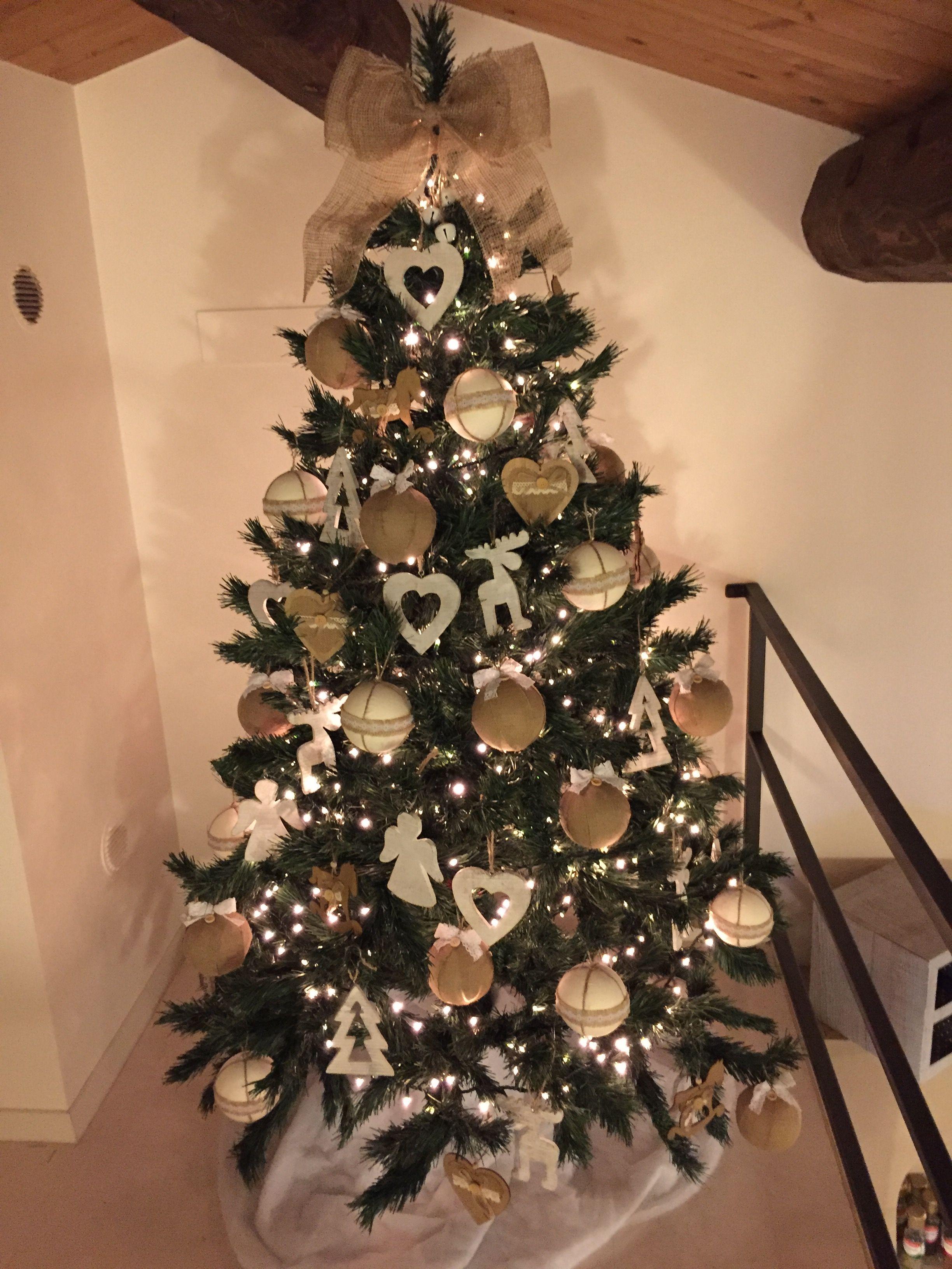 Addobbi Natalizi Juta.Albero Di Natale Addobbi Fai Da Te Con Legno E Juta Alberi Di Natale Natale Addobbo