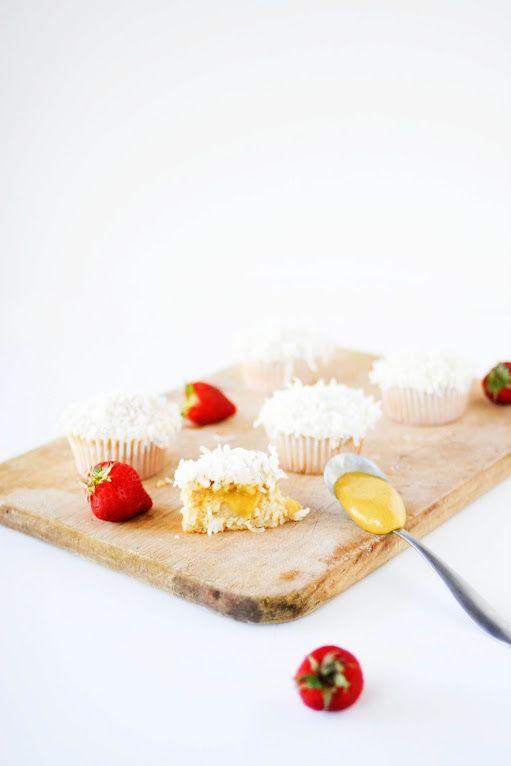 Une-deux senses: Coconut & Mango Curd Cupcakes