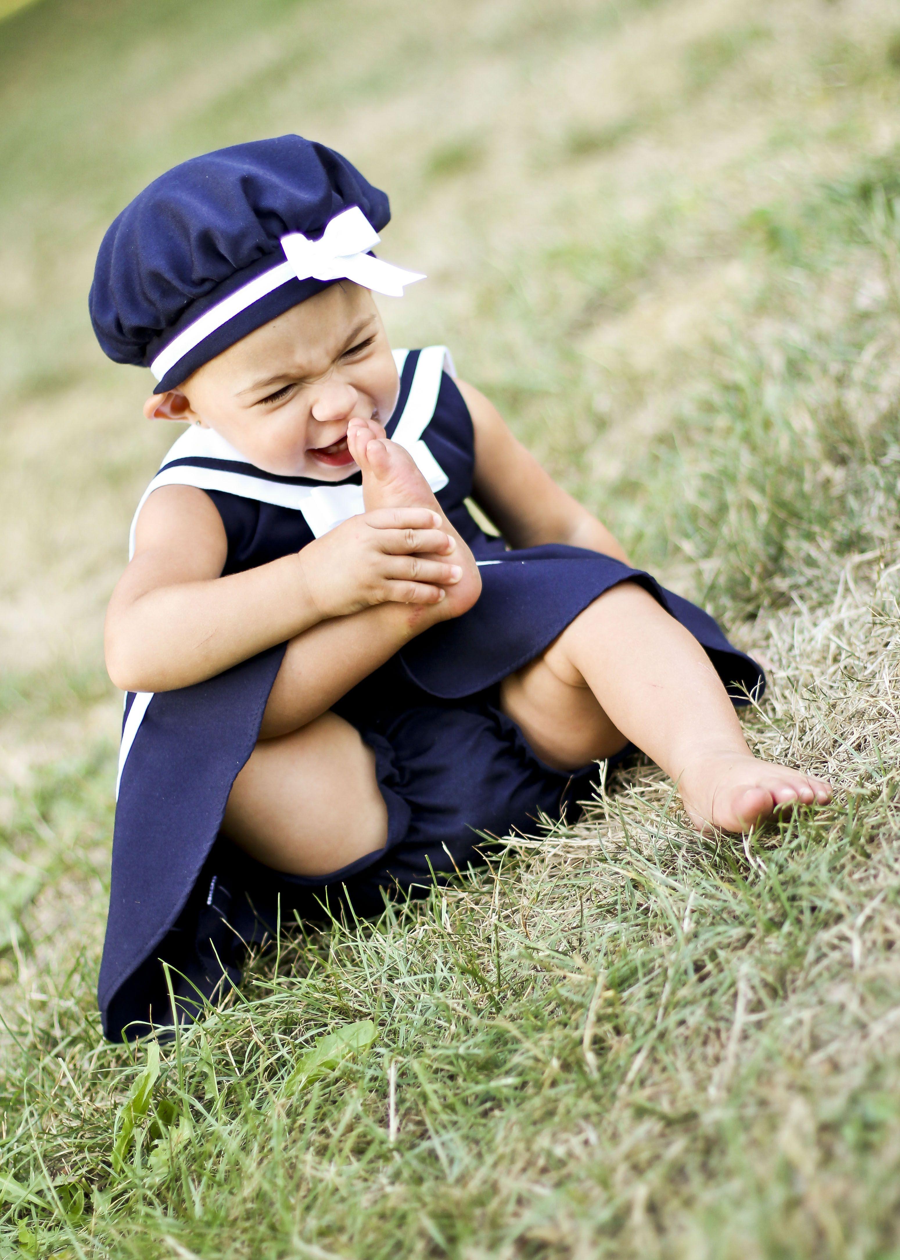 Stinky feet | Kid poses, Stinky feet, Poses