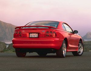 1998 Ford Mustang Cobra Although There Were Very Few Changes To The In Gt Version Received A Upgrade As 4 6l V 8 Engine