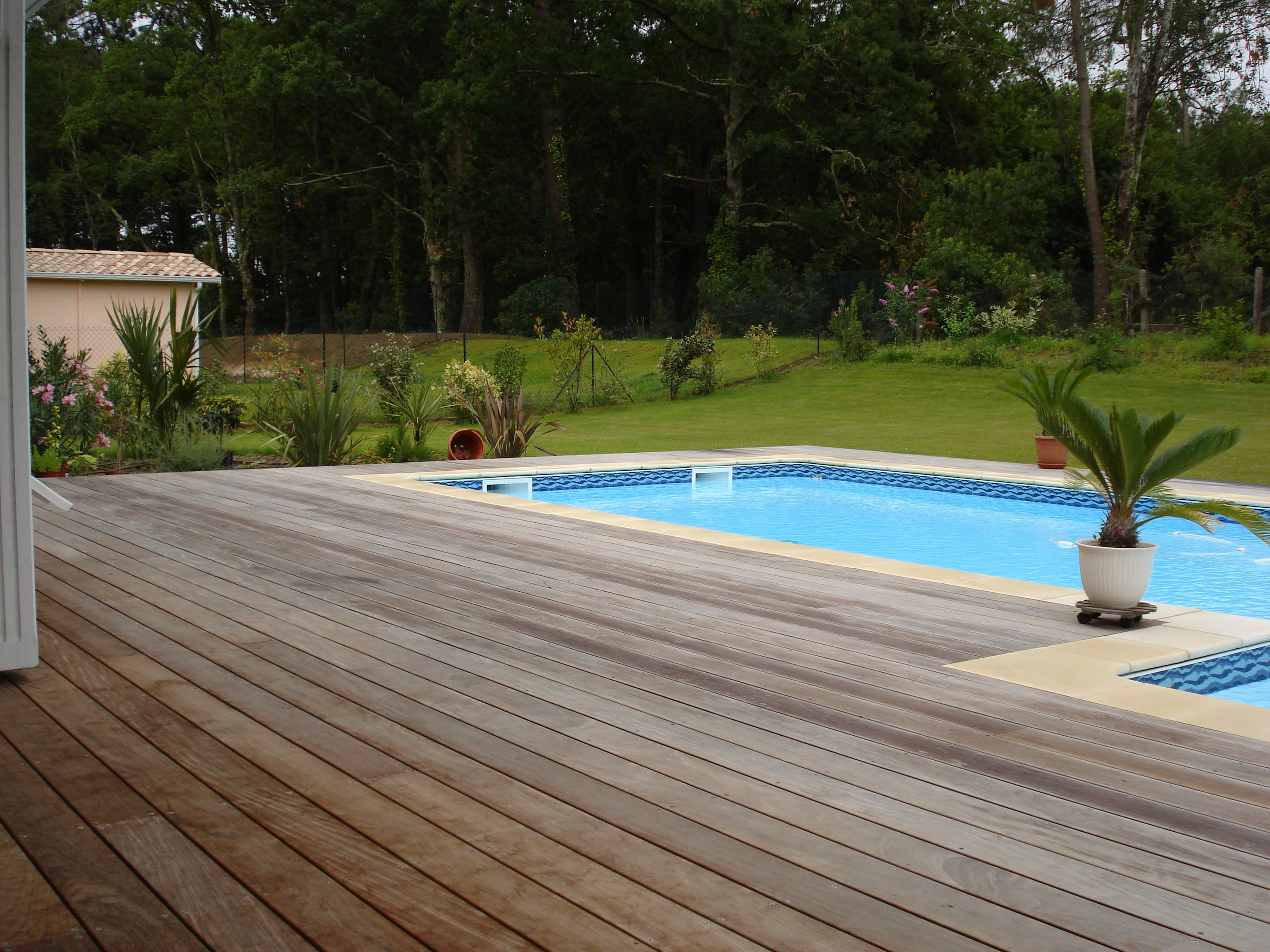 Beau terrasse pour piscine piscine for Piscine andernos