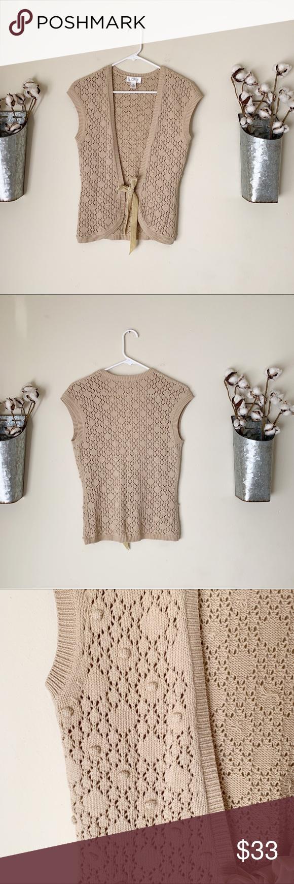 Ann Taylor Loft Popcorn Ball Sweater Vest Excellent condition Popcorn ball design Velvet straps Size XS ⭐️No trades ⭐️Reasonable offers welcome! LOFT Sweaters #popcornballs