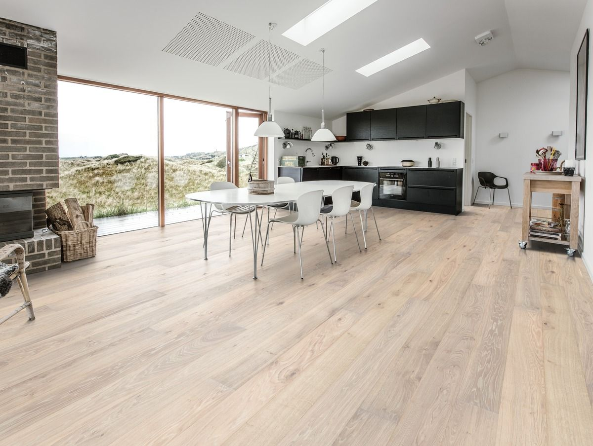 kahrs oak nouveau blonde is a floor with a white stain and few knots - Kahrs Flooring